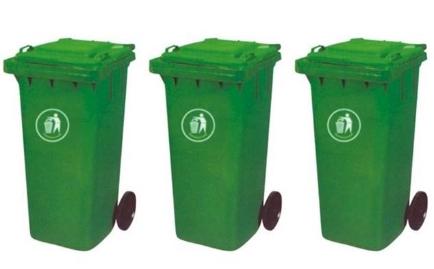 生活垃圾大多扔在垃圾桶外